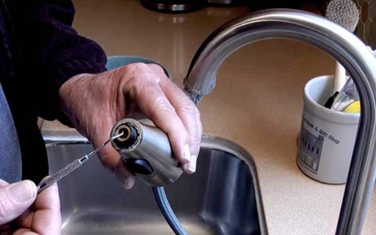 How to Clean Kitchen Faucet?